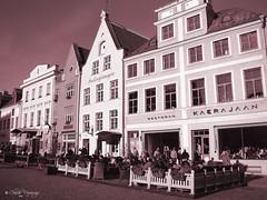 Tallinn, Estonia 031 - Ciudad Vieja/Old City (Claudio.Ar) Tags: city bw sepia europa europe tallinn estonia sony ciuda
