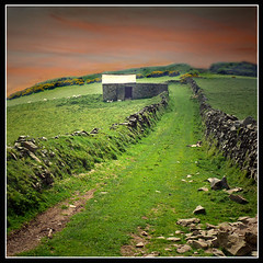Evening in Cornwall (pixel_unikat) Tags: uk england sky brick grass stone wall way landscape evening cornwall hut supershot mywinners allin1 goldstaraward