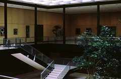 Munson-Williams-Proctor interior (Ed Brodzinsky) Tags: architecture stairs upstateny philipjohnson interiordesign utica escaleras munsonwilliamsproctor