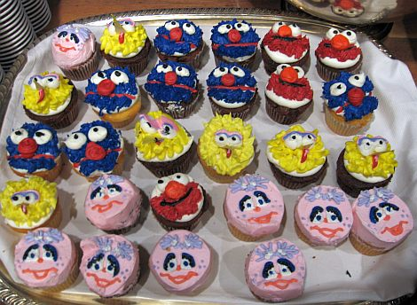 Sesame Street cupcakes at BlogHer '08