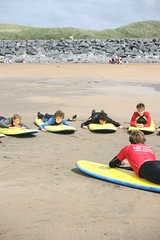 Lahinch Surf School (David Olsthoorn) Tags: school beach surf learning lahinch davidolsthoorn