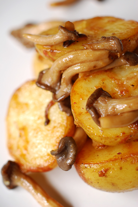 truffled pink eye potatoes with shimeji mushrooms© by Haalo
