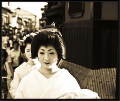 Back then (Seoul-Lo) Tags: white black 50mm kyoto dress geiko geisha