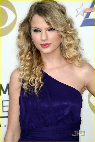 taylor-swift-grammy-nominations-03