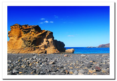 Playas de lava. Lanzarote.- (ancama_99(toni)) Tags: ocean trip travel blue light sea vacation sky espaa paisajes naturaleza holiday seascape color beach nature water azul marina landscape geotagged photography mar photo interestingness interesting spain agua nikon espanha europa europe waves seascapes photos lanzarote playa canarias photographic atlantic bleu explore canary 1855mm blau nikkor paysage 2008 espagne paesaggi olas canaryislands islas aigua atlntico paisagens oceano islascanarias marinas atlantico elgolfo ocano d60 azl nikkor1855 explored nikond60 25favs 25faves mywinners colorphotoaward aplusphoto holidaysvacanzeurlaub interesantsimo flickrlovers