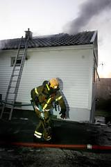 Brann p Sm (Petter Emil) Tags: norway fire vg kristiansand brann sm brannvesen torsvikkleivawikren totalskadd