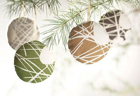 Efficient Holiday Decorations For 10 And Under