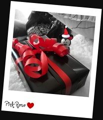 (pinkyia) Tags: santa pink red white black love hat mouse heart gift ribbon minnie picnik roro pinkyia pinkroro