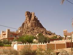Tafraoute terre des couleurs (agharass) Tags: morocco maroc granite info hotels guides hommes sud tafraout bleus marocain htels guelmim htelssjourguideustensilesinfo