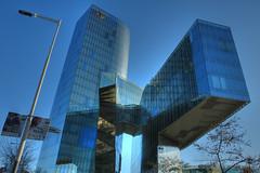 Glass and steel  totem / Totem d'acer i vidre (juli_modul) Tags: glass arquitectura bcn catalonia acer catalunya hdr marenostrum vidre torremarenostrum enricmirallesbarcelona