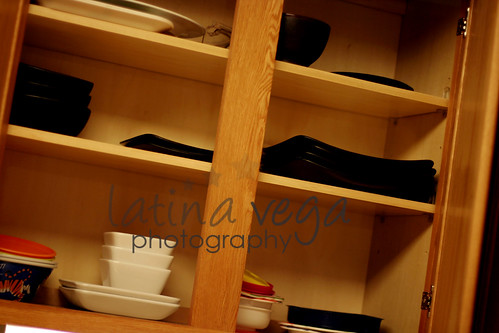 plates cabinet