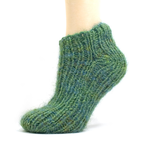 Free Two Needle Sock Knitting Patterns : Not an Artist: Free Pattern: Simple 2-Needle Slipper Socks