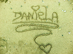 contigo   / with you   (~ Daniela Andrea ) Tags: light brown sun shells hearts gold golden sand rocks day sunny daniela  danielaandrea