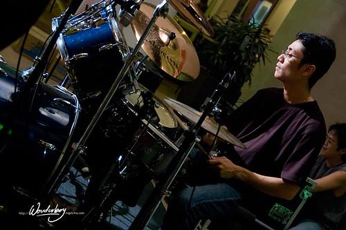 Mage-drummer