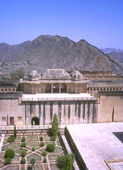 Amber Palace, Jaipur, Rajasthan, India, 1969 (east med wanderer) Tags: india 1969 fort palace hills jaipur rajasthan amer amberpalace rajput theindiatree