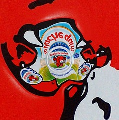 Laughing cow inverted (fdecomite) Tags: circle design graphic geometry math fractal inversion vachequirit