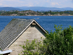 Old seahouse (Michelsen Photography) Tags: sea norway lumix outdoor july motive 2008 zazzle seahouse sotra otw ©allrightsreserved roymichelsen httpwwwzazzlecomneslehcim motive4u2see