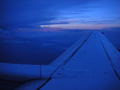 Flying (Yoav Lerman) Tags: plane flight wing sundet lerman