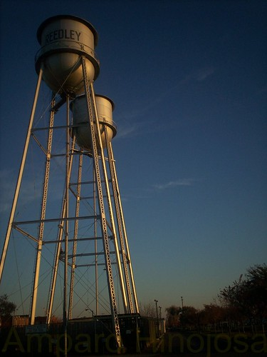Reedley water towers