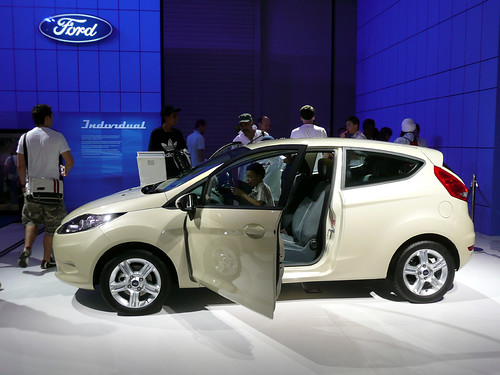 Ford Fiesta Style Plus - Side View