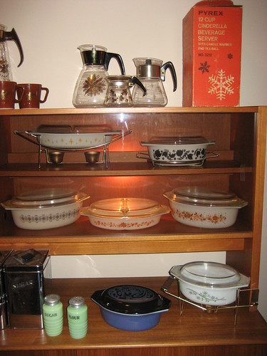Pyrex Hutch 4