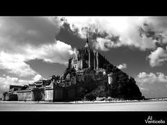 Dall'oceano (Alessandro Gaziano) Tags: bn francia bianco nero vacanze oceano panorami montsanmichele jpeggy alessandrogaziano