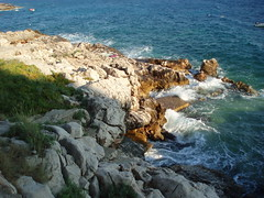 Waves breaking (Agnes Dorotea) Tags: sea summer rocks croatia hvar darkblue wavesbreaking ivandolac