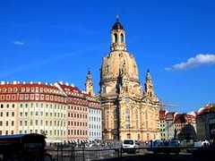 the Frauenkirche in Dresden, flanked by Neumarkt (credit: avoe.org)