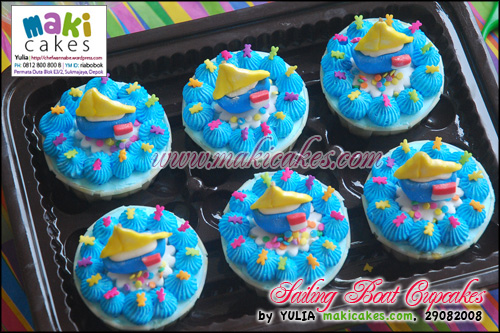 Sailing Boat Cupcakes - Maki Cakes