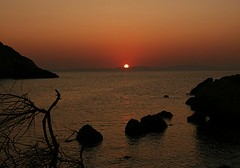 Sunrise in Chios (io747) Tags: sea sun sunrise rocks greece shiningstar bestofflickr chios highquality naturesfinest mywinner naturefinest theperfectphotographer damniwishidtakenthat