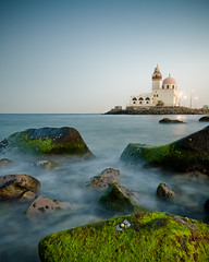 Smoky (Khaled A.K) Tags: longexposure morning sea water smoke mosque slowshutter sa jeddah saudiarabia khaled masjid ksa masjed saudia jiddah kashkari