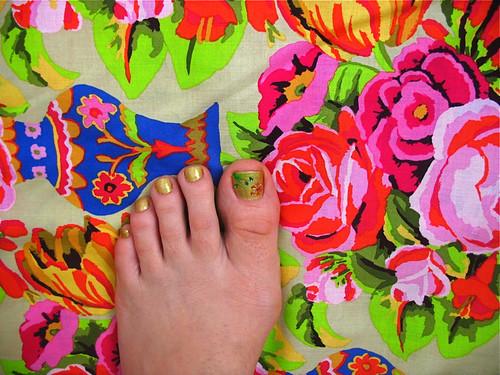 K Fasset's Kirman (and my matching toenails)