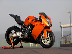 KTM RC8 (iKapture) Tags: road canon gold racing ktm superbike 1dmarkii easterncreek rc8 ikapture