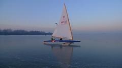 P1040709 (Remko van Dokkum) Tags: zeilen boot boten zeil ijs monnickendam icesailing ijspret gouwzee ijszeilen ijszeilboten ijszeilboot