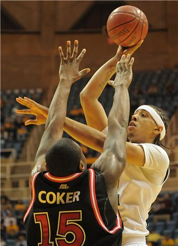 Dee Proby West Virginia vs Dele Coker St. John's