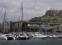 Puerto de Alicante (magda196) Tags: city sea espaa mountain boats mar barcos ships ciudad alicante fortaleza land yachts montaa magda castillo tierra naves yate magda196 catillostrength