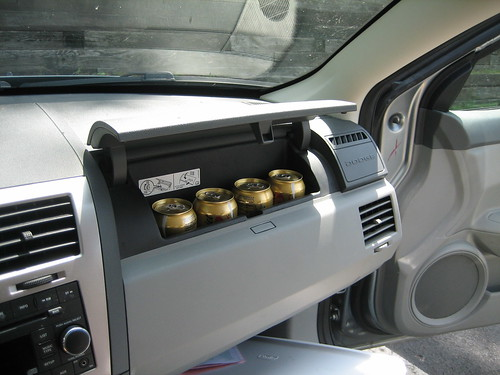 Soda holder in the Dodge Avenger (open)
