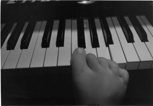 piano_feet