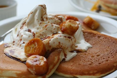 pancakes: banana & caramel