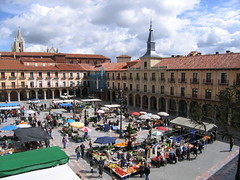 """Market in the Plaza • <a style=""""font-size:0.8em;"""" href=""""http://www.flickr.com/photos/48277923@N00/2622156933/"""" target=""""_blank"""">View on Flickr</a>"""