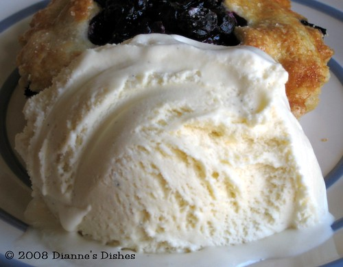Tuesdays with Dorie: Double Crusted Blueberry Pie: White Chocolate Vanilla Bean Ice Cream