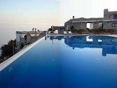 Ravello - Hotel Caruso (Edgar Poe) Tags: italy panorama canon hotel campania piscina caruso ravello amalfi salerno costiera ps100