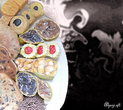 Mute Hunger !!! (Aljazi.q8) Tags: new food cookies cake kuwait q8 delicios alkuwait aljazi
