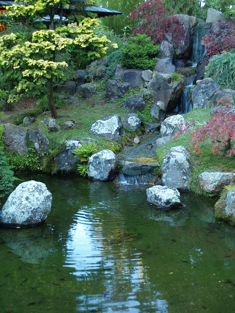 japanese-tea-garden-waterfall