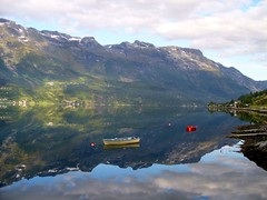 landscape with boat (gallmese) Tags: reflection nature water norway landscape boat norge natur natura fjord termszet bt vann landskap norvgia csnak vz