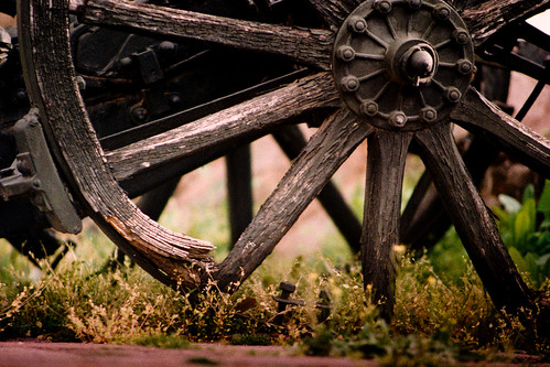 Old Wheel (Photo by iCampbeℓℓ)