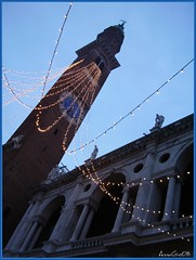 twilight (AnnaGio*) Tags: basilica piazza moods vicenza pensando kindofblue mancanze stimmungen torrebissara yourcountry