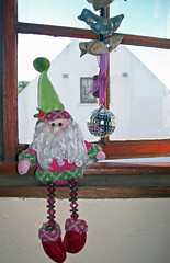 Pink and green....is fit for a queen (Greta ~adores~ Pink~~~~) Tags: xmas pink cute green queen worldtrekker