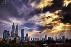 Kuala Lumpur (zzclef) Tags: city sky sun tower nikon twin burn kuala kl klcc lumpur d300 ndgrad