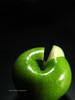 Green apple (Edu Rickes) Tags: stilllife food verde green frutas still fuji natural comida s5100 fruta pelotas rs riograndedosul estúdio maçã aplle fujifinepixs5100 beautifulshots novotedesafio brazilianphotographers fotógrafosbrasileiros todososdireitosreservados fotógrafosgaúchos edurickes bigaplle edurickesphotos belasimagens fotógrafosdepelotas edurickesproduçõesfotográficas copyright©2010 freellas fotógrafosfreelancers fotografiaslegais